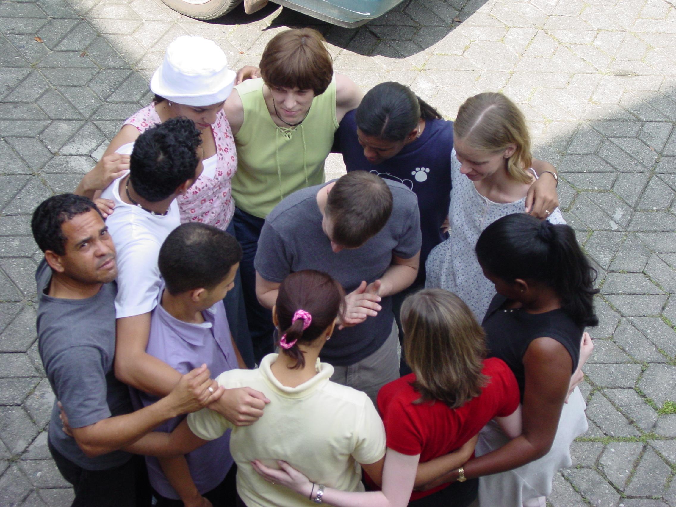 proskuneo-circle-prayer